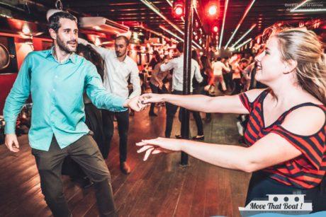 Couple de danseurs restant jeunes grâce à la danse